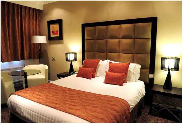 images/advert_images/accommodation-and-hotels_files/holiday inn rooms. 1.JPG