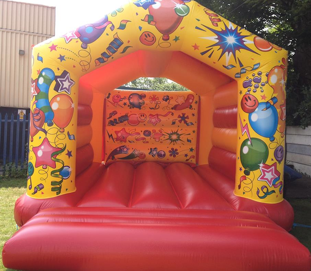 images/advert_images/childrens-entertainment_files/bubbly bouncers castle.png
